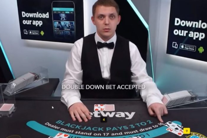 Live Dealer vs Playing the Computer